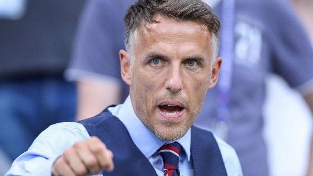 Phil Neville příští rok v červenci po vypršení smlouvy skončí u ženské anglické fotbalové reprezentac