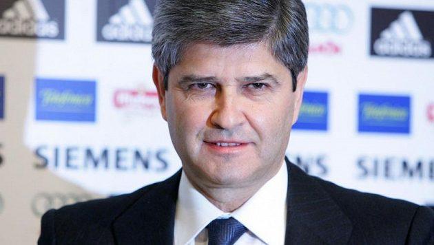 Fernando Martín je už druhým bývalým prezidentem fotbalového Realu Madrid, který se nakazil novým typem koronaviru.
