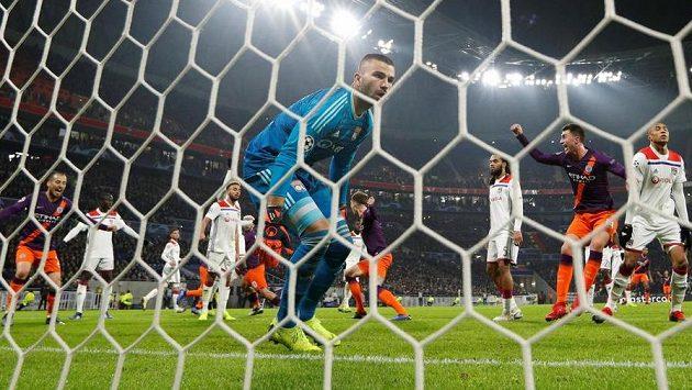Fotbalisté Šachtaru Doněck sehrají poslední utkání v základní skupině Ligy mistrů proti Lyonu ve středu 12. prosince v Kyjevě.