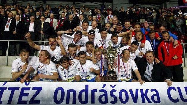 Fotbalisté Plzně slaví vítězství v Ondrášovka Cupu