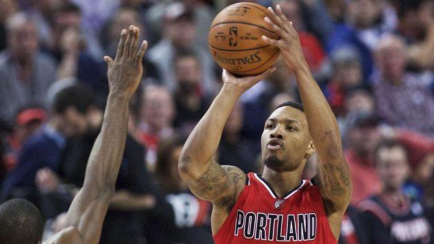Basketbalista Portlandu Damian Lillard v zápase proti Oklahomě.