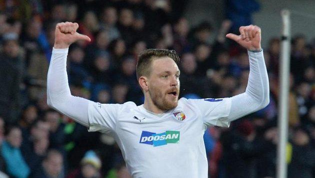 Ondřej Vaněk z Plzně se raduje z gólu z penalty v utkání na Spartě.