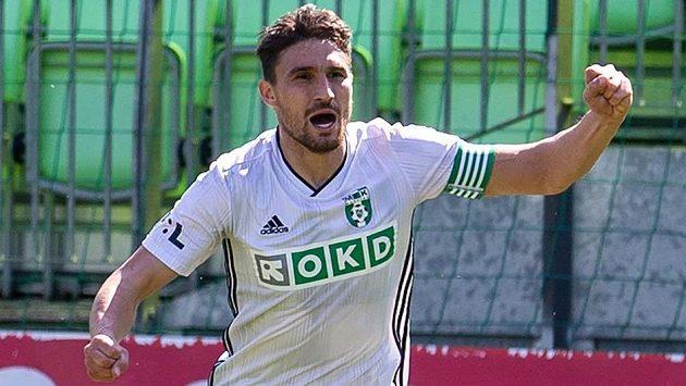 Michal Papadopulos z Karviné se raduje z gólu proti Plzni.