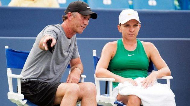 Spolupráce Simony Halepové s koučem Darrenem Cahillem skončila.