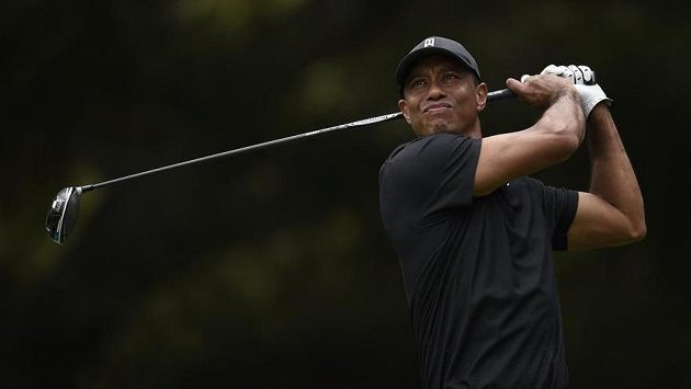 Američan Tiger Woods v Sherwoodu.