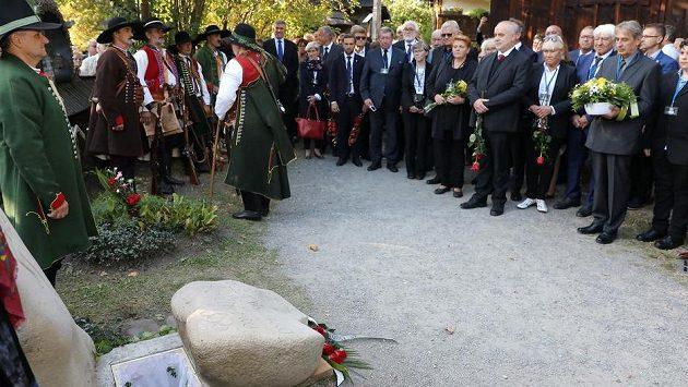 Ve Valašském muzeu v přírodě v Rožnově pod Radhoštěm se 18. září 2020 konalo pietní rozloučení s atletickou legendou Danou Zátopkovou