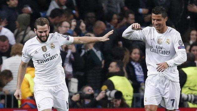 Nacho (vlevo) jásá po vedoucí brance Realu Madrid s Cristianem Ronaldem.
