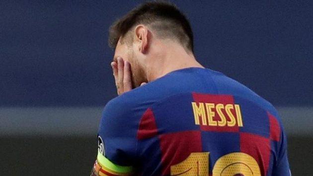 Bezmoc a zmar. Hvězdný Argentinec Lionel Messi po debaklu Barcelony v Lize mistrů s Bayernem.