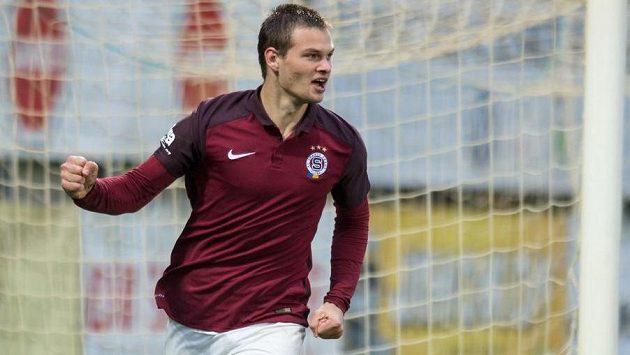 Útočník Sparty Matěj Pulkrab oslavuje gól v utkání 3. kola MOL Cupu v Českých Budějovicích.