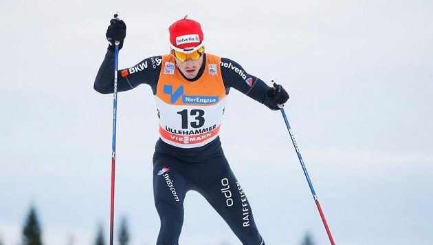 Švýcar Jonas Baumann na trati v Lillehammeru.