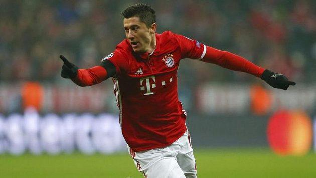 Kanonýr Bayernu Robert Lewandowski.