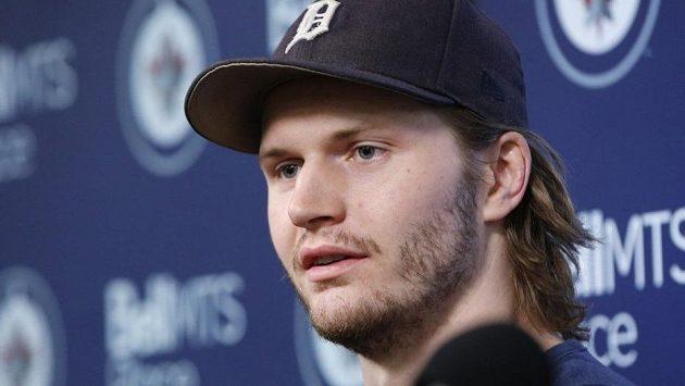Americký hokejový obránce Jacob Trouba ještě během angažmá ve Winnipegu.