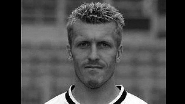 Ve věku sedmačtyřiceti let náhle zemřel bývalý prvoligový fotbalista Miloslav Penner.