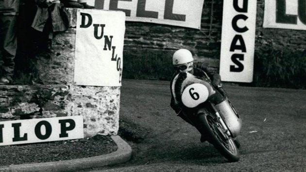 V devadesáti letech zemřel devítinásobný mistr světa silničních motocyklů Carlo Ubbiali.