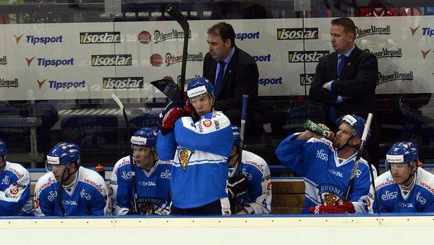 Střídačka hokejistů Finska.