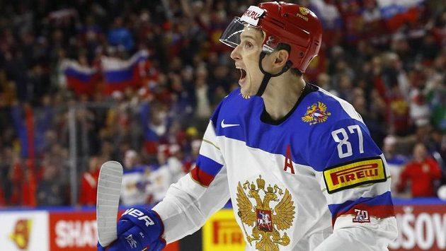 Vadim Šipačov se raduje, v úvodní třetině utkání s Německem zatížil konto domácích dvěma góly.