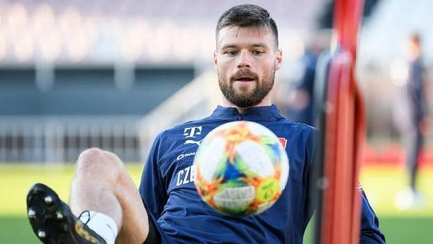 Jak Jaroslav Šilhavý připravuje v Izraeli tým na zápas, když má k dispozici jen zlomek hráčů?