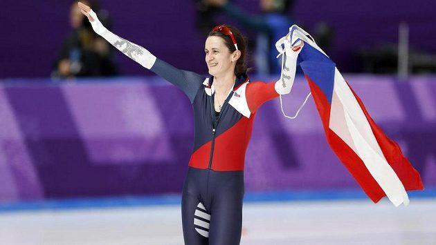 Martina Sáblíková sice neobhájila ze Soči 2014 a z Vancouveru 2010 na pětikilometrové trati zlatou medaili, nicméně i ze stříbrné měla velkou radost.