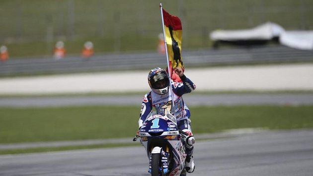 Jorge Martín slaví titul v Moto3.