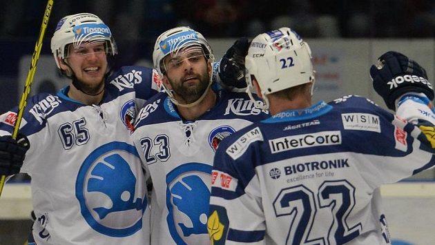 Hráči Plzně (zleva) Miroslav Presinger, Tomáš Svoboda a Ondřej Kratěna se radují z gólu.