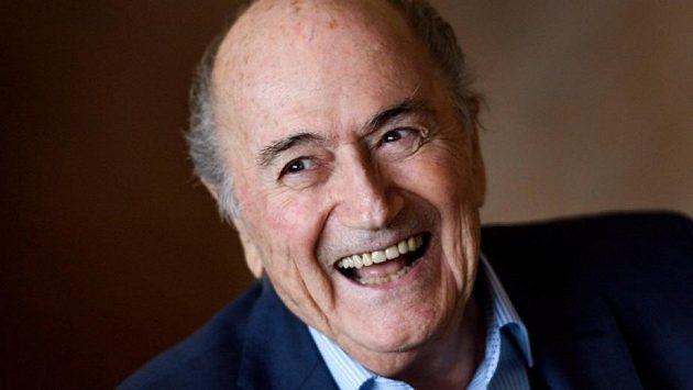 Bývalý prezident FIFA Sepp Blatter přišel s návrhem, aby MS 2022 uspořádaly Spojené státy místo Kataru.