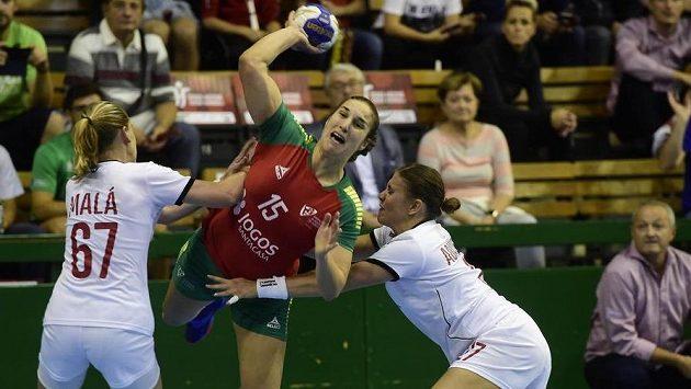 Veronika Malá a Petra Adámková v zápase s Portugalskem.