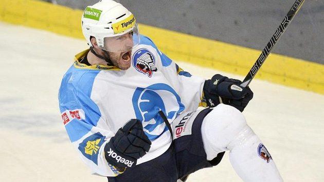Plzeňský Tomáš Vlasák se raduje z gólu.