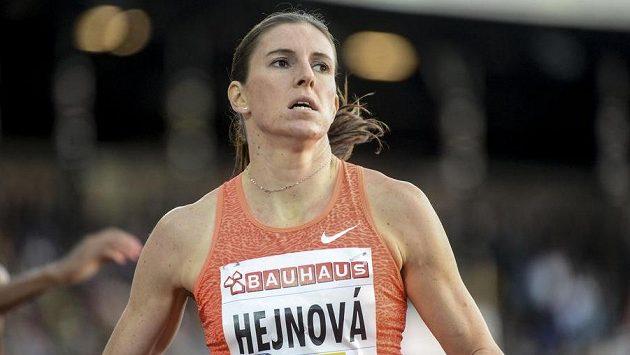 Zuzana Hejnová po výhře na 400 m překážek ve Stockholmu.