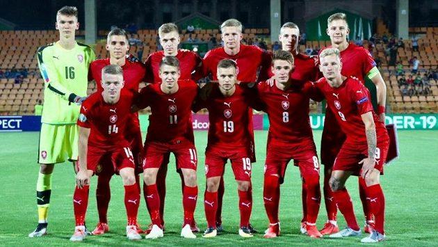 Česká reprezentace do 19 let před na ME v Arménii.