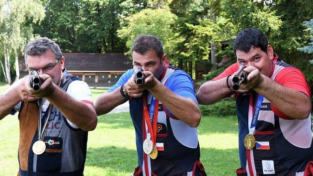 Trio olympijských vítězů (zleva) Petr Hrdlička, David Kostelecký, Jiří Lipták.