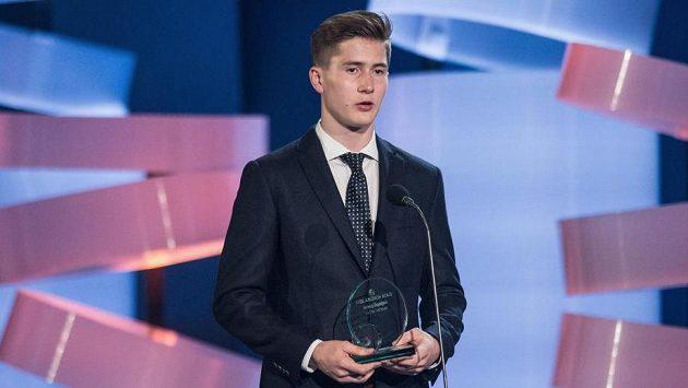 Martin Nečas bude na letošním draftu NHL nejvýše postaveným českým hokejistou. Který tým si jej vybere?