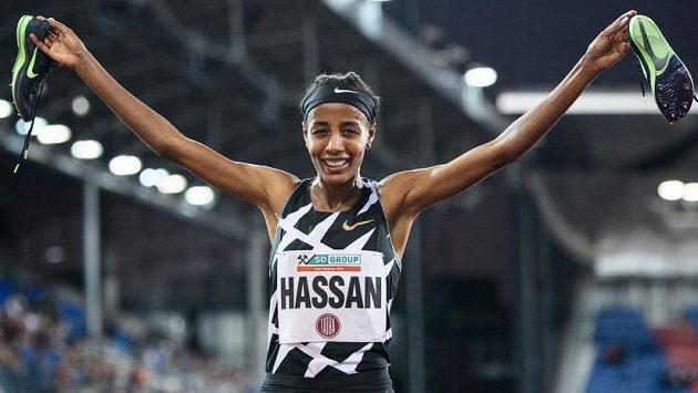 Nizozemská běžkyně Sifan Hassanová světový rekord na 5000 m nepokořila.