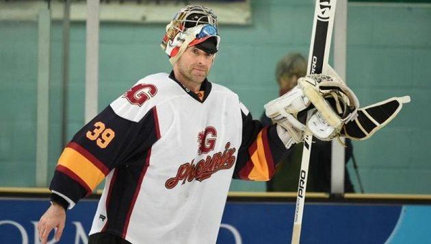 Petr Čech při svém debutu v hokejové brance Guildfordu.