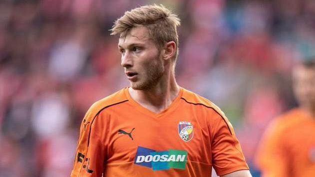 Jakub Brabec z Viktorie Plzeň během utkání nadstavby na Slavii.