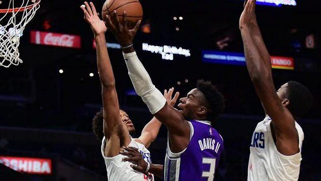 NBA ani v této sezoně nebude testovat basketbalisty na marihuanu (ilustrační foto)