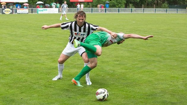 Hráči se vzájemně nešetřili...