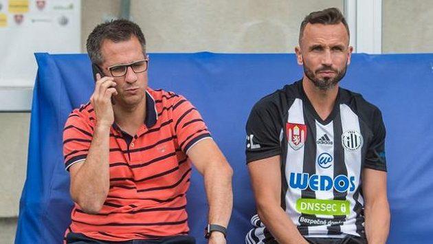Zleva generální manažer klubu Martin Vozábal a Tomáš Sivok.