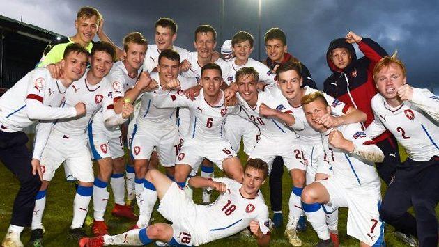 Čeští mladíci slaví postup do čtvrtfinále ME