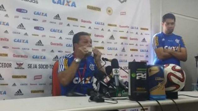 Vanderlei Luxemburgo na tiskové konferenci.