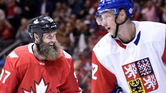Útočník Joe Thornton se mohl po utkání s Českem smát, Kanada vyhrálá 6:0.