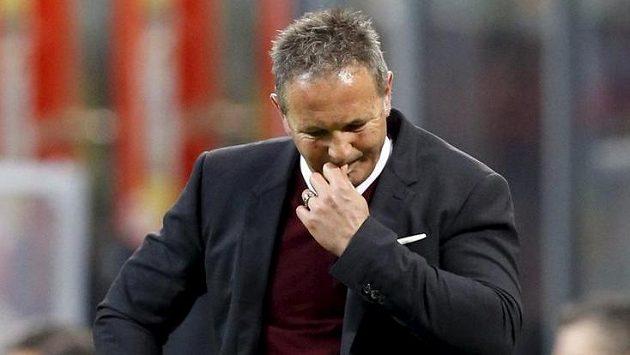 Siniša Mihajlovič končí u fotbalistů AC Milán.