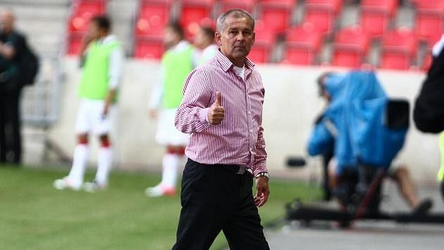 Trenér Slavie Petr Rada během zápasu s Jihlavou.