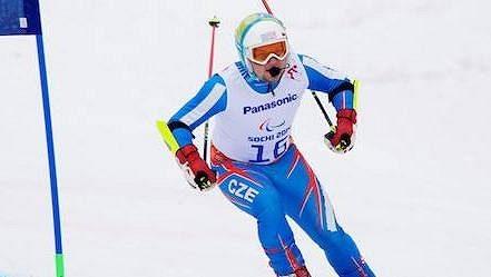 Zrakově handicapovaný lyžař Patrik Hetmer se možná startu na paralympijských hrách v Pekingu nedočká.