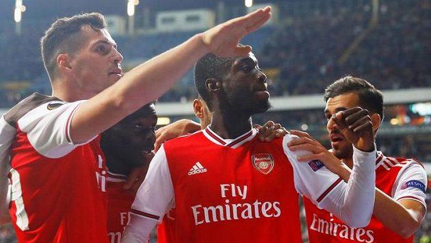 Fotbalisté Arsenalu na hřišti Frankfurtu kralovali