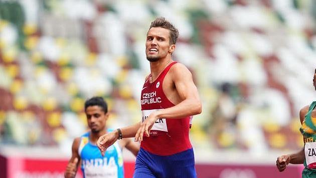 Vít Müller v cíli olympijského rozběhu na 400 m překážek, páté místo znamená těsný postup do semifinále.