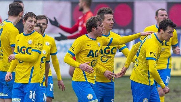 Hráči Teplic se radují z gólu, druhý zleva Ladidlav Kodad.