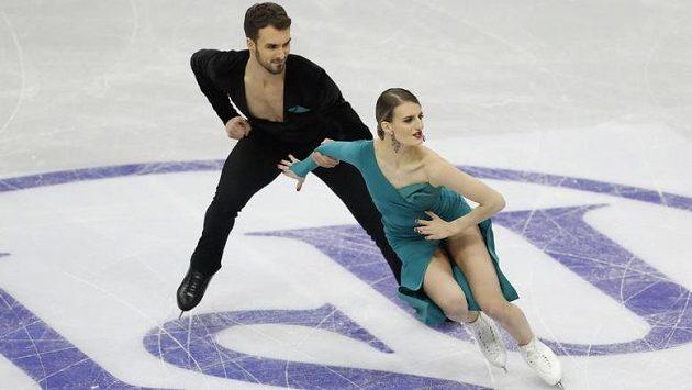 Taneční pár Gabriella Papadakisová a Guillaume Cizeron na krasobruslařském šampionátu v Minsku zatím potvrzuje, že na evropském ledě v posledních letech nemá konkurenci.