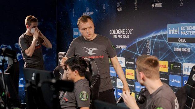 Německý celek mousesports slaví výhru na turnaji IEM Cologne 2021.