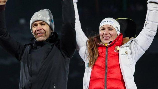 Ole Einar Björndalen a Darja Domračevová povedou čínské biatlonisty