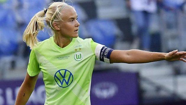 Chelsea získala z Wolfsburgu kapitánku dánské reprezentace Pernille Harderovou